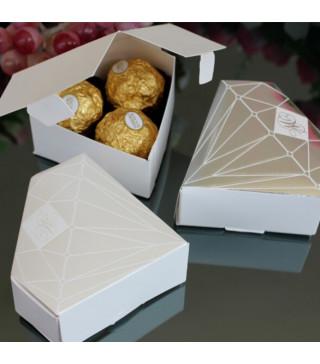Бонбоньєрка Діамант Сріний папір БО-31033 Китай