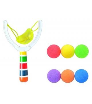 Рогатка з кольоровими кульками